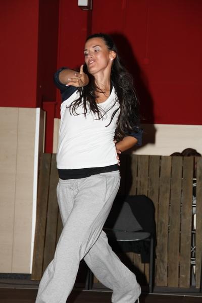 jas2010_16